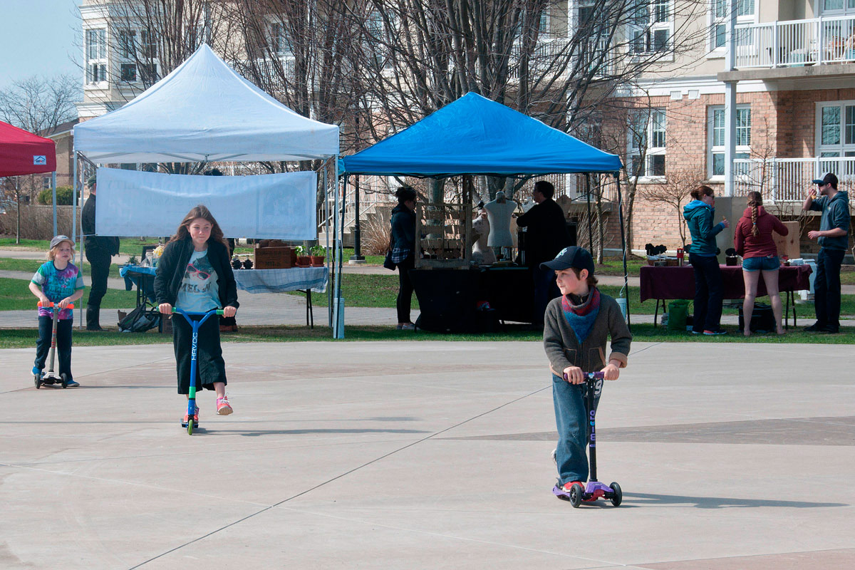 Kids playing at Farmers Market