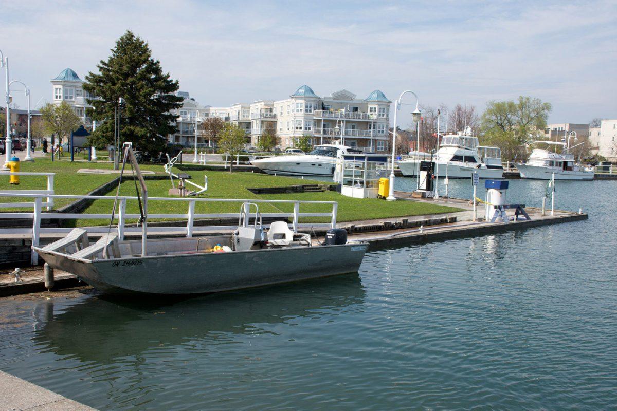 Re-fueling Dock
