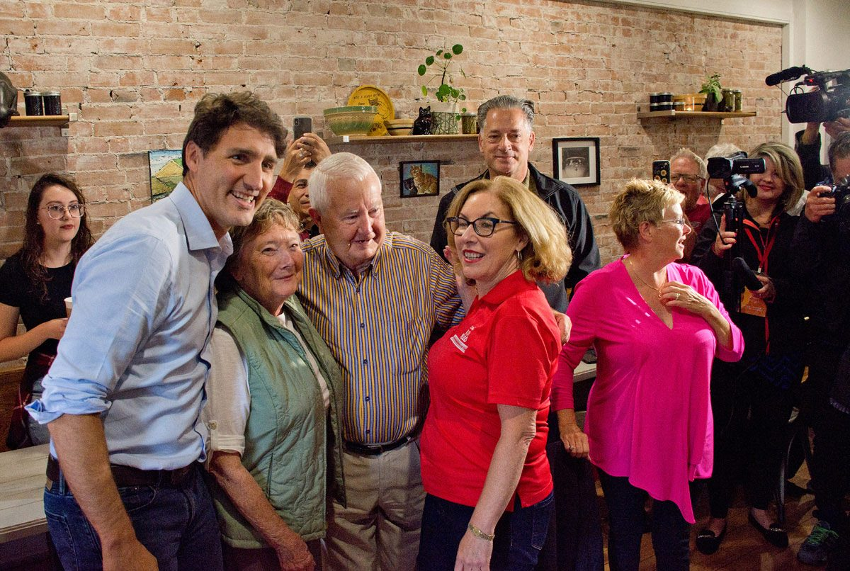 Justin Trudeau and Kim Rudd with a couple at the Black Cat