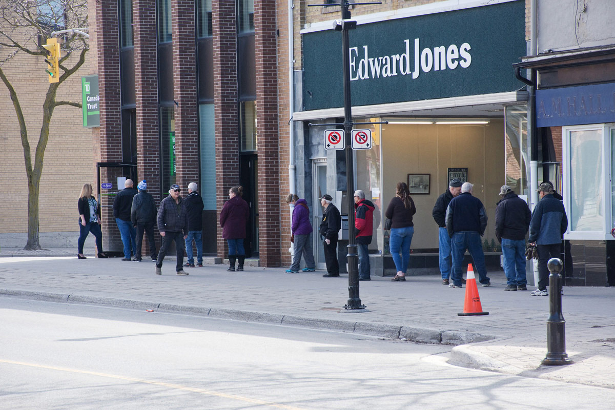Line-up at Bank on King Street