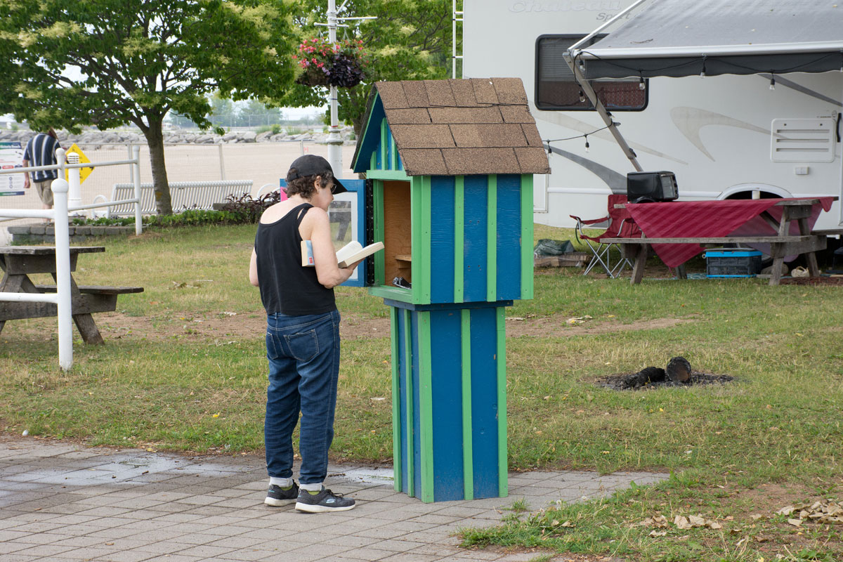 Pop up library at beach